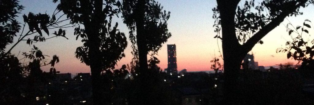 夜明けのMM地区